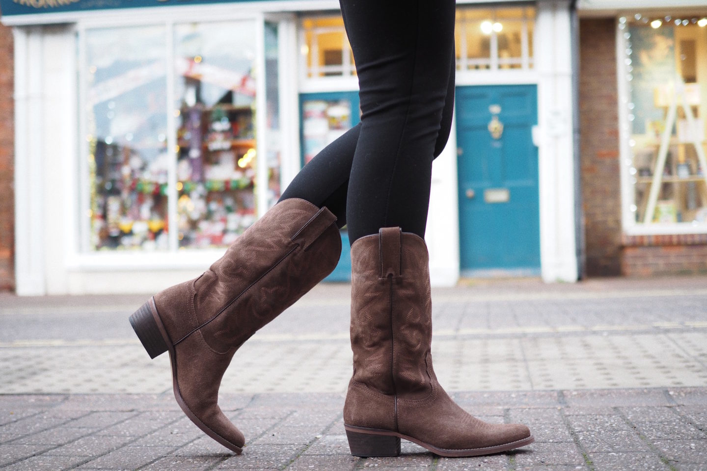 it shoes cowboy boots street style