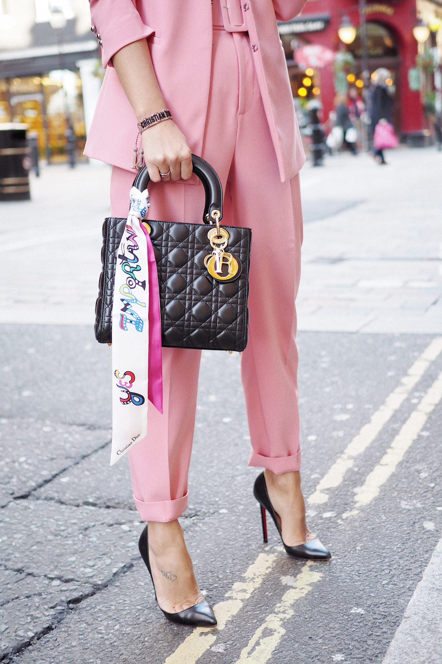 christian dior street style fashion week