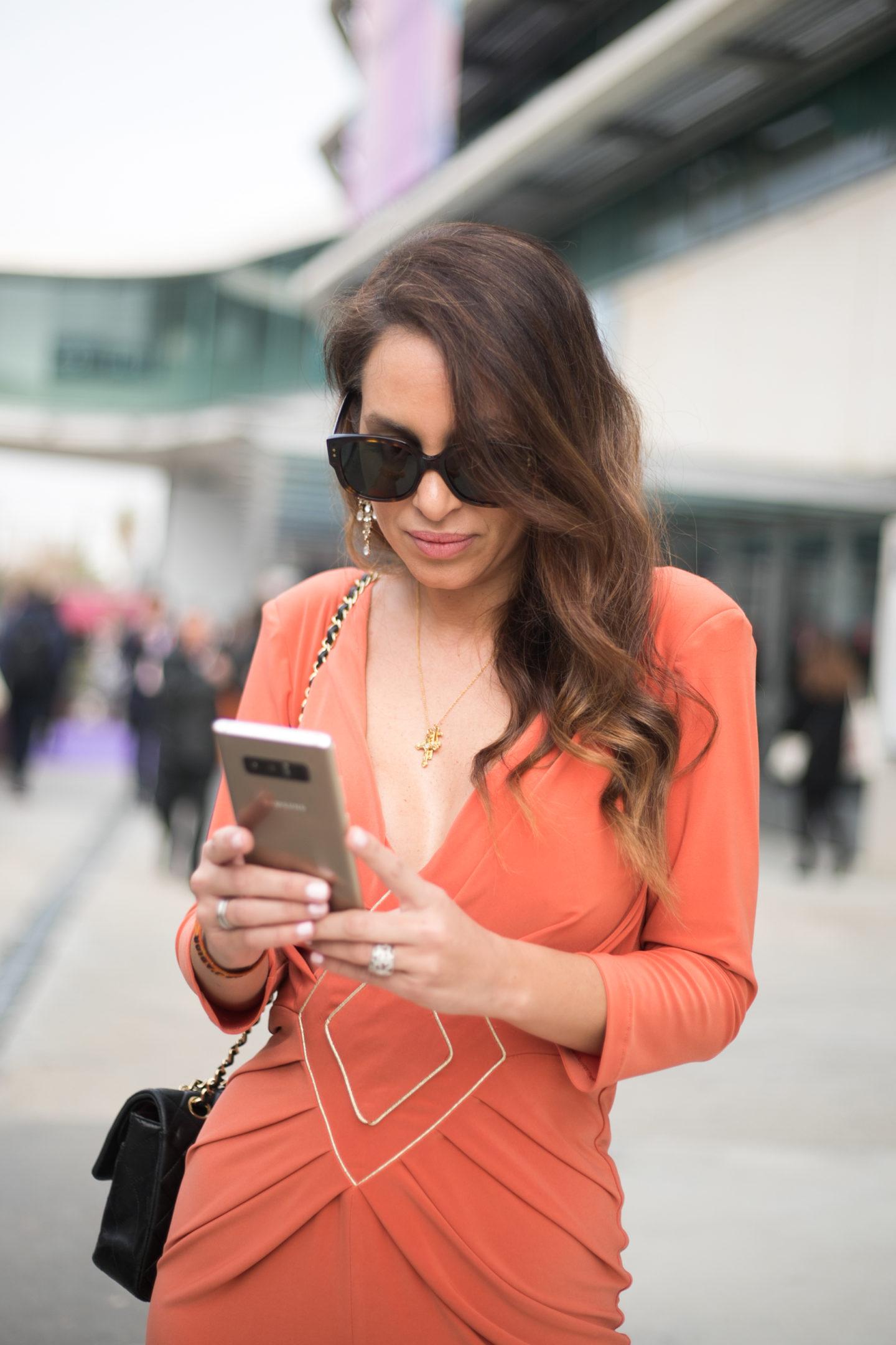 samsung note8 smart girl mercedes benz fashion week