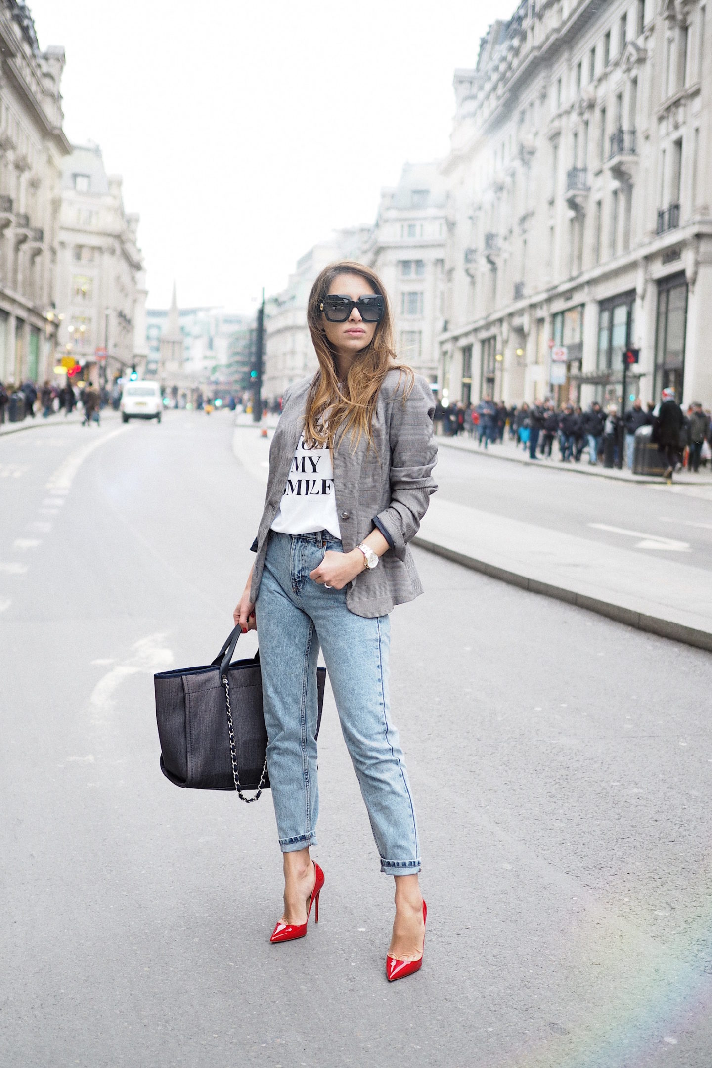 fashion stole my smile t-shirt victoria beckham london street style