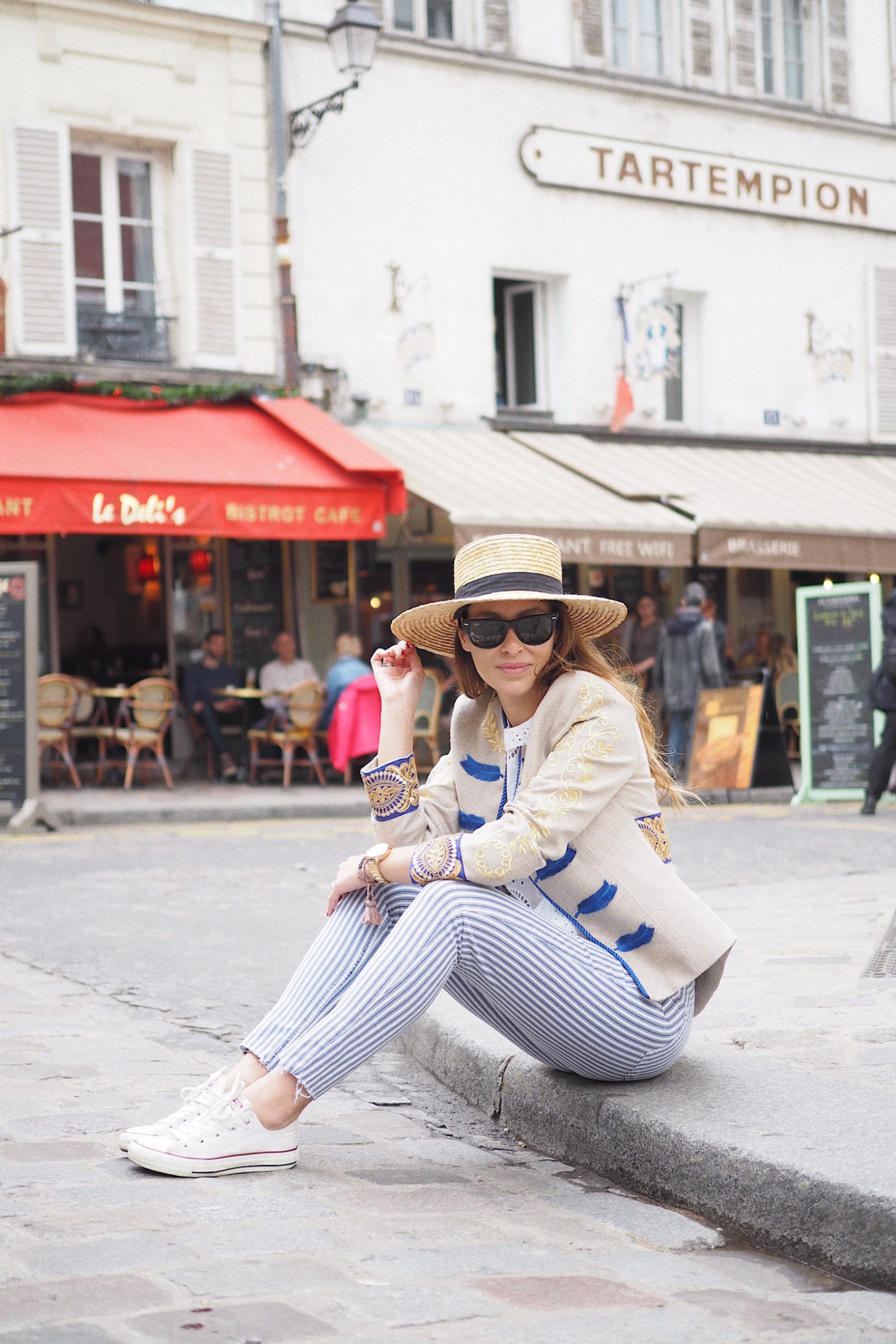 how to style converse sneakers paris street style